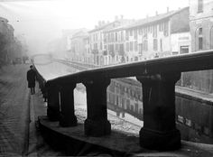 Paolo Monti Alzaia sul Naviglio Grande 1950 circa   da Milan l'era inscì