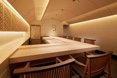 Japanese Restaurant Interior, Restaurant Menu Design, Japanese Interior, Restaurant Bar, Sushi Bar Design, Noodle Bar, Sushi Restaurants, Japan Design, Shop Interiors