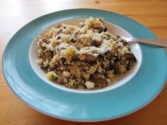 Ricetta Quinoa con Funghi Champignon Quinoa, Oatmeal, Healthy Eating, Cooking, Breakfast, Blog, The Oatmeal, Eating Healthy, Kitchen