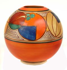 A Clarice Cliff Fantasque melon pattern vase spherical, painted… - Cliff, Clarice - Ceramics - Carter's Price Guide to Antiques and Collectables Clarice Cliff, Ceramic Painting, Ceramic Artists, Ceramic Pottery, Pottery Art, Gourd Art, Art Deco Design, Art Deco Fashion, Orange