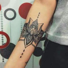 Tattoo Antebrazo Brazalete Mujer 22 New Ideas The post Tattoo Antebrazo Brazalete Mujer 22 New Ideas appeared first on Best Tattoos. Lotusblume Tattoo, Fake Tattoo, Tattoo Now, Lotus Tattoo, Cover Up Tattoos, Mandala Tattoo, Arm Band Tattoo, Mandala Art, Mandala Design