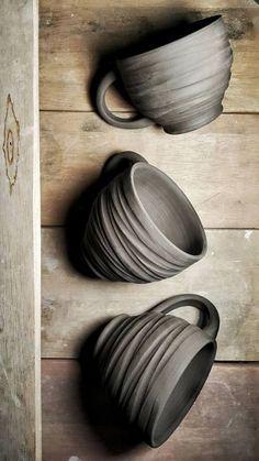 hand made ceramic cups – Ceramic Art, Ceramic Pottery Ceramics Projects, Clay Projects, Ceramics Ideas, Pottery Mugs, Ceramic Pottery, Slab Pottery, Thrown Pottery, Keramik Design, Sculptures Céramiques