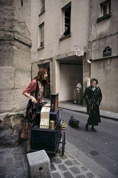 William Albert Allard - Collections - Street performer Dominique Alavoine, Le Marais, Paris, 2002