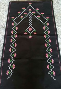 This Pin was discovered by Yad Palestinian Embroidery, Cross Stitch Borders, Prayer Rug, Bargello, Hand Embroidery Designs, Filet Crochet, Baby Knitting Patterns, Needle And Thread, Cross Stitch Embroidery