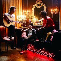 """Jonas Brothers Songs: """"Tonight"""" (2009)"""