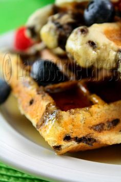 Banana-chocolate waffles