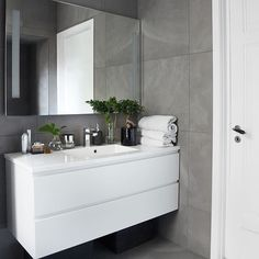 15 Trendy bathroom cabinets over toilet kitchens Boho Bathroom, Bathroom Styling, Bathroom Interior Design, Modern Bathroom, Large Bathrooms, Grey Bathrooms, Small Bathroom, Bad Inspiration, Bathroom Inspiration