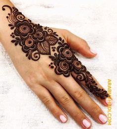 50 Most beautiful Varanasi Mehndi Design (Varanasi Henna Design) that you can apply on your Beautiful Hands and Body in daily life. Khafif Mehndi Design, Mehndi Designs Book, Mehndi Designs For Girls, Mehndi Design Photos, Mehndi Designs For Fingers, Latest Mehndi Designs, Mehndi Designs For Hands, Mehandi Designs, Hena Designs