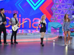 Veja o que rolou nos bastidores da apresentação de Joelma e Chimbinha no Programa da Sabrina http://r7.com/3Kx4