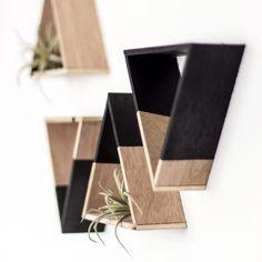 Easy DIY Hexagon Shelves - Home Professional Decoration Handmade Home Decor, Home Decor Items, Diy Home Decor, Triangle Shelf, Hexagon Shelves, Deco Boheme, Creation Deco, Decoration, Decorative Items