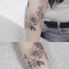 rose  flower  #tattoo#tattoos#tattooing#tattoowork#tattooart#flowertattoo#rosetattoo#armtattoo#art#artist#tattooartist#rose#blackwork#germany#frankfurt #germanytattoo#타투#장미타투#타투이스트꽃#tattooistflower