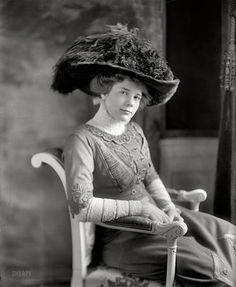 costumereference:    Ethel Roosevelt in 1908.    1. That hat isspectacular. 2. She is beautiful!