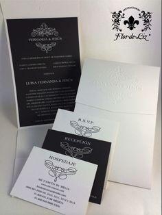 """Invitaciones """"Fernanda&Jesús"""" en forma rectangular, diseño elegante en Blanco y Gris. Sobre con monograma troquelado. Lleva bolsita para pase de recepción, RSVP y Hospedaje."""
