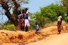 https://flic.kr/p/A3nDYw | Meninas | Mongue | Moçambique