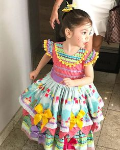 """641 Likes, 13 Comments - Sofie Jolie Atelier (@sofiejolieatelier) on Instagram: """"Lá vem a princesinha caipira toda linda e cheia de formosura pro encantado arrastapé !!!!"""""""