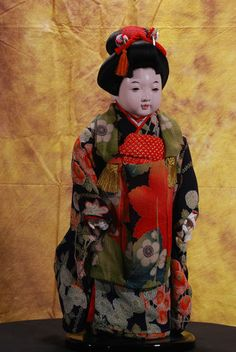 ICHIMATSU-NINGYO NAKAMURA MAIKO JAPANESE NATIONAL TREASURE DOLL