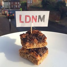 A delicious and macro friendly Peanut Butter Flapjack recipe from LDNMuscle.