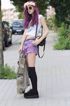 Pastel goth :) magenta and black hair, floral crown, military surplus jacket, highwaisted cutoff jeans dyed pink and a crop top. Pastel Goth Fashion, Punk Fashion, Grunge Fashion, Fashion Outfits, Womens Fashion, Indie Fashion, Hipster Fashion, Fashion Styles, Fashion News