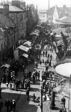 Old photograph of Fair Day in Port Glasgow, Renfrew, Scotland Scottish People, Family History Book, Old Port, Glasgow Scotland, Old Photos, Travel Inspiration, City Photo, Street View, Frankfurt