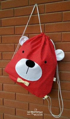 Bag / Backpack Orsetto – various colors – – Bags Baby Sewing Projects, Sewing Crafts, String Bag, Patchwork Bags, Fabric Bags, Kids Bags, Kids Backpacks, Handmade Bags, Backpack Bags
