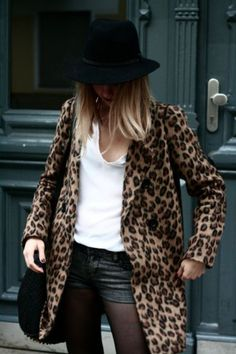 Want this outfit! Leopard jacket over cutoffs and a white tee. Animal print IS a neutral. Leopard Print Outfits, Leopard Print Coat, Leopard Jacket, Blazer Fashion, Fashion Outfits, Womens Fashion, Fashion Trends, Fashion Ideas, Der Leopard