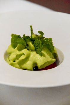 [PHOTOS] Lunch at Massimo Bottura's Osteria Francescana: White, Red and Green © Will Travel for Food