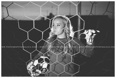 Senior picture ideas for girls soccer senior . Soccer Senior Pictures, Soccer Poses, Volleyball Photos, Fall Senior Pictures, Team Pictures, Sports Pictures, Volleyball Drills, Volleyball Gifts, Coaching Volleyball