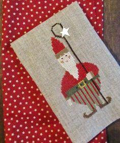 Samplers and Santas: Wee Santa 2005