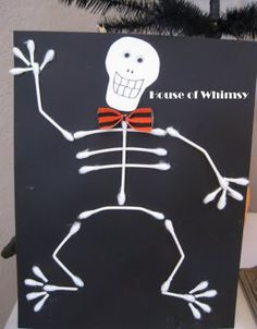 10 Halloween Crafts for Kids. Easy to make, fun, and they might learn something too while they create these cute Halloween Crafts! Theme Halloween, Halloween Crafts For Kids, Halloween Activities, Fun Crafts For Kids, Holidays Halloween, Fall Crafts, Holiday Crafts, Holiday Fun, Haloween Craft