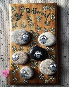 100 creative ideas for painting stones in a Christmas mood stones . - 100 creative ideas for painting stones in a Christmas mood stones 100 creative ideas for p - Pebble Painting, Pebble Art, Stone Painting, Diy Painting, Pebble Stone, Painting Abstract, Stone Crafts, Rock Crafts, Arts And Crafts