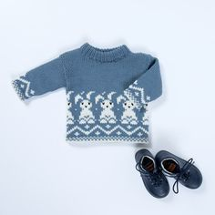 DG378-15 Bunnygenser | Dale Garn Baby Knitting Patterns, Knitting Stitches, Baby Barn, Knitwear, Knit Crochet, Rompers, Child, Knitting Patterns, Children