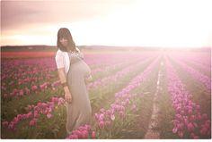 Maternity Session | Tulip Fields | Maternity Inspiration | Rainy Maternity session Organic Newborn | Seattle WA Newborn Photographer