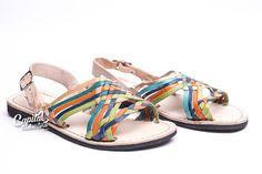 Huarache tropical. Elaborado a mano con auténtica piel por artesanos mexicanos. Visita el sitio para más información.
