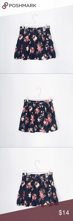 FOREVER 21 BLACK FLORAL MINI SKIRT WAIST: 15 inches. LENGTH: 16 inches. Forever 21 Skirts Mini