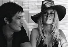"Brigitte Bardot sobre Alain Delon _ ""Detrás de aquel individuo cuya presencia invade todo lo que le rodea, como ""un tsunami"", está oculto un hombre extremadamente frágil, una ternura secreta desbordante de amor"""