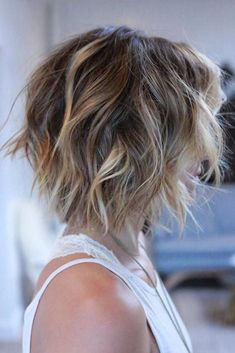 Awesome Short Hair Cuts For Beautiful Women Hairstyles 37