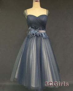 Vintage prom dresses short, Grey mid length ball gown for teens, 2016 custom made sweetheart A-line homecoming dress http://www.3cgirls.com/#!product/prd1/4225649491/grey-mid-length-sweetheart-a-line-homecoming-dress #promdress