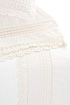 #PineConeHillOutlet Crochet Edge Ivory Sheet Set