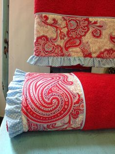 TOALLA DUCHA GRECA 70X140 - Catálogo Bordar - BORDAR - TOALLAS - BORDAR - Bordar Dish Towels, Hand Towels, Tea Towels, Fabric Crafts, Sewing Crafts, Diy Crafts, Love Sewing, Maje, Kids House