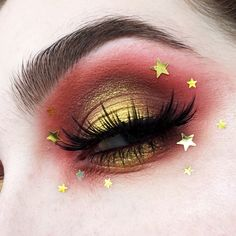 "425 Likes, 8 Comments - Hannah (@hann4hbeth) on Instagram: ""SUMMERY STARS ✨☀️ (I know I have very dry eyelids, but idk how to use photoshop and I'm not into…"""