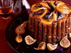 It& well known in Britain that steamed pudding is one of the most fattening desserts there is, especially when it& prepared the traditional way, wit. Fig Pudding, Pudding Cake, Steamed Pudding Recipe, Pudding Recipes, Wine Recipes, Dessert Recipes, Desserts, Candied Orange Slices, Souffle Dish