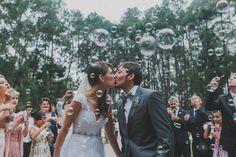 """A foto """"O beijo"""" de Ricardo Jayme foi a vencedora da categoria Cerimônia na última edição do Prêmio    O Resumo Fotográfico, em parceria c..."""