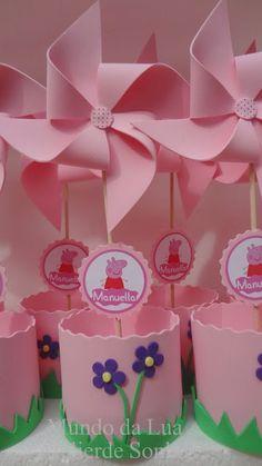 Pinwheels, cricut name and image branding Pig Birthday Cakes, 2nd Birthday Parties, Baby Birthday, Fiestas Peppa Pig, Cumple Peppa Pig, Peppa E George, George Pig, Bolo Da Peppa Pig, Aniversario Peppa Pig