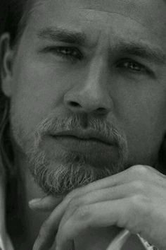 Charlie Hunnam  Sons of anarchy <3