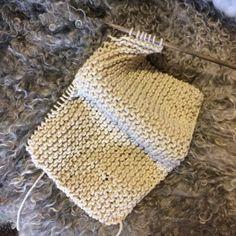 Sticka rätstickning tills du har en kvadart. Crochet Hats, Threading, Knitting Hats
