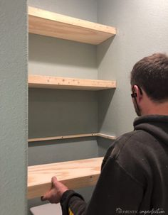 How to Build Thick Floating Shelves from Plywood I love these floating shelves because they are simple, functional, and budget-friendly. The thickness is my favorite part.they look like they cost a lot of Diy Wood Projects, Home Projects, Wood Crafts, Plywood Shelves, Build Shelves, Diy Built In Shelves, Diy Closet Shelves, Making Shelves, Unique Wall Shelves