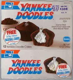 Here's a nice old Drake's cakes box of Yankee Doodles from I always had Hostess cakes, but these cup cakes look pretty good. There's the little duck mascot, too! Vintage Sweets, Vintage Candy, Vintage Food, Retro Food, 80s Food, Retro Ads, Vintage Advertisements, Vintage Images, Retro Recipes