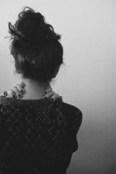 Ludzie, którym dokucza samotność, mają przeważnie bardzo złe mniemanie o sobie. Mają się za  nieudaczników. Obwiniają się za swoją samotność i izolację.