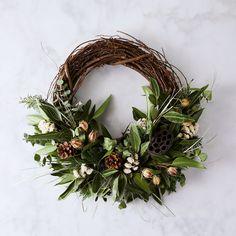 Fragrant Pod Branch Half Wreath on Wreath Crafts, Diy Wreath, Grapevine Wreath, Tulle Wreath, Boxwood Wreath, Greenery Wreath, Burlap Wreaths, Wreath Ideas, Noel Christmas