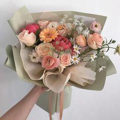 Boquette Flowers, Beautiful Bouquet Of Flowers, Luxury Flowers, My Flower, Planting Flowers, Beautiful Flowers, Flower Aesthetic, Floral Arrangements, Floral Wreath